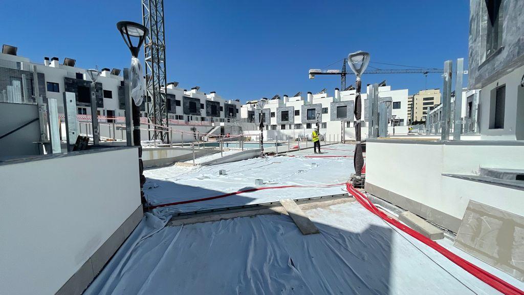 Avance de obras Residencial Suertes de la villa Junio 2021 zona piscina 2